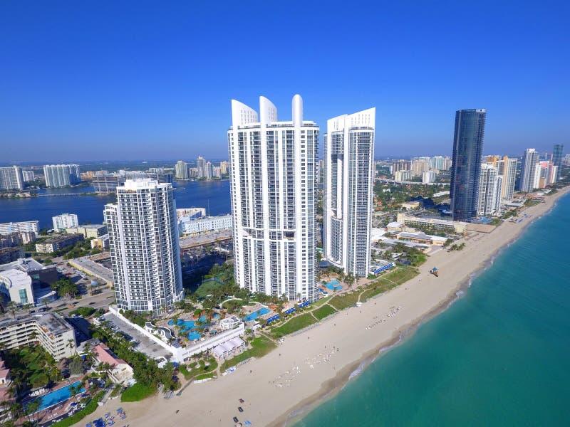 Trumf står högt Sunny Isles Beach Florida fotografering för bildbyråer