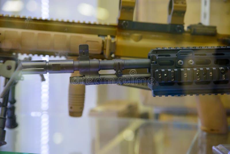 Trumma av kopian för airsoft för gevär för anfall M14, Bangkok, Thailand fotografering för bildbyråer