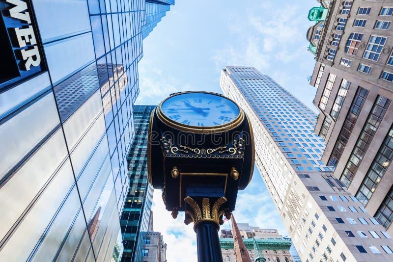 Trump башня с античными часами в Манхаттане, NYC стоковые фото