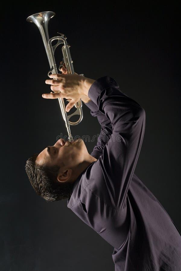 trumpet человека стоковые фотографии rf