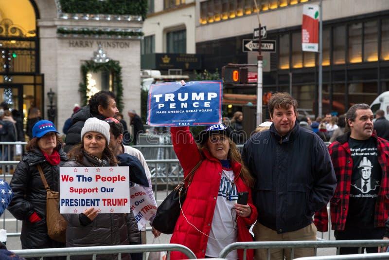 Trumpfanhänger in New York City stockbild