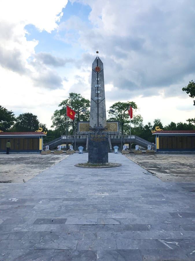 Truong Son martyrs kyrkog?rd i Hai Phu, Hai Boi, Quang Tri Jordf?stningst?llet av martyr offrades under kriget mot arkivbilder