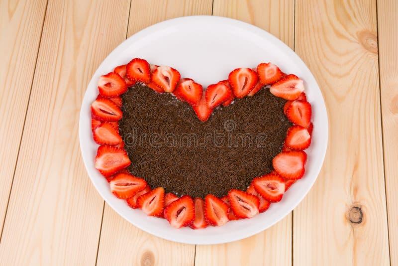 Truskawka tort z czekoladą zdjęcie stock