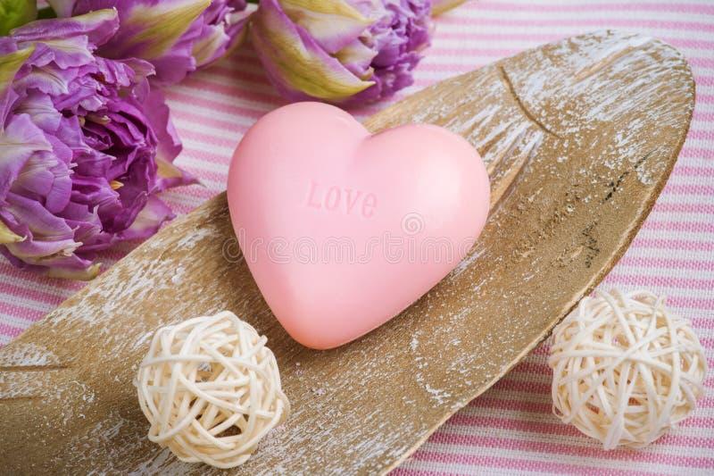 Truskawki mydło w kształcie serce obrazy stock