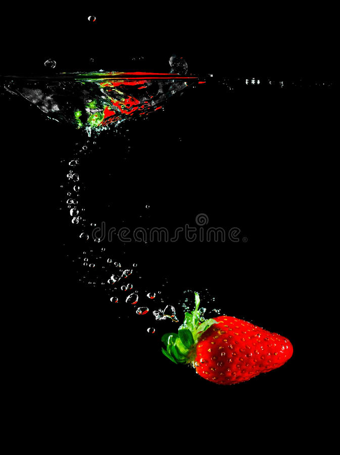 truskawki owocowa woda zdjęcie royalty free