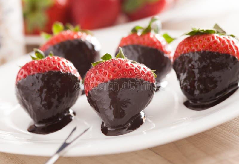 Truskawki w czekoladzie zdjęcia stock