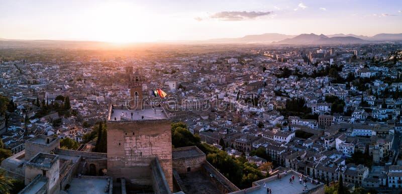 Truteń fotografia historyczny Alhambra kasztel Granada Hiszpania przy zmierzchem fotografia stock
