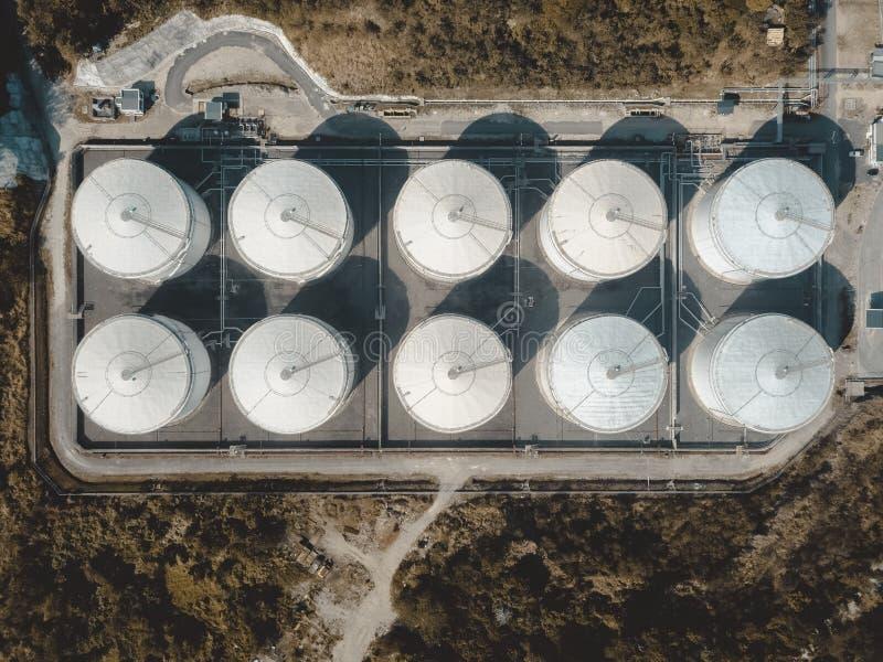 Trutnia widok składowy zbiornik w lesie obrazy stock