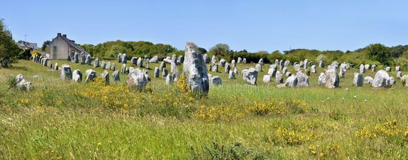 Trwanie kamienie przy Carnac w Francja zdjęcia stock