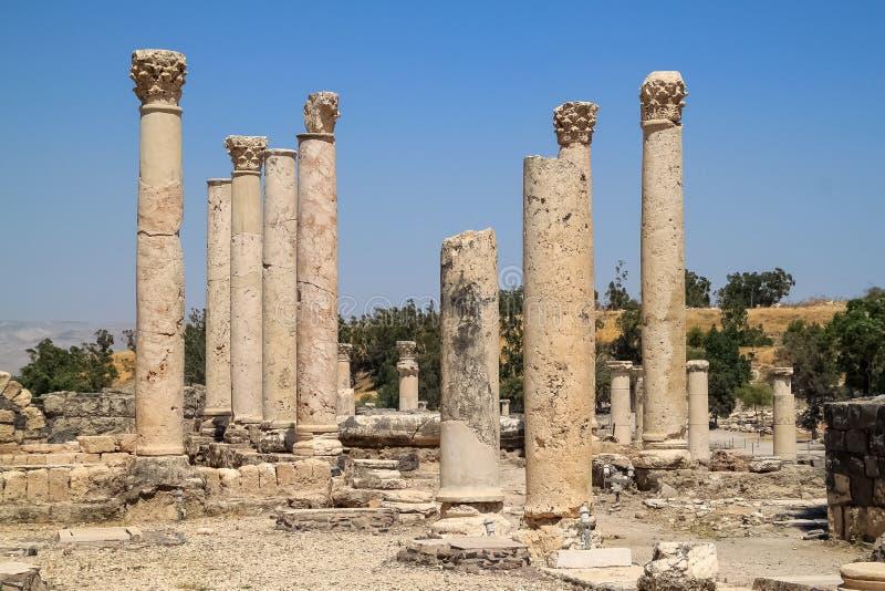 Trwanie kolumny w ruinach Beit Ona «, archeologiczny miejsce zdjęcia stock