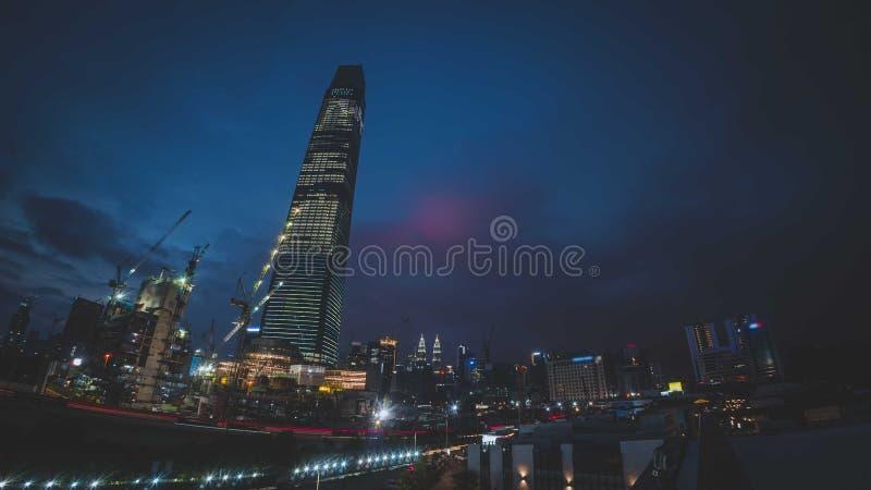 TRX Tun Razak Exchange o torre del intercambio 106 foto de archivo