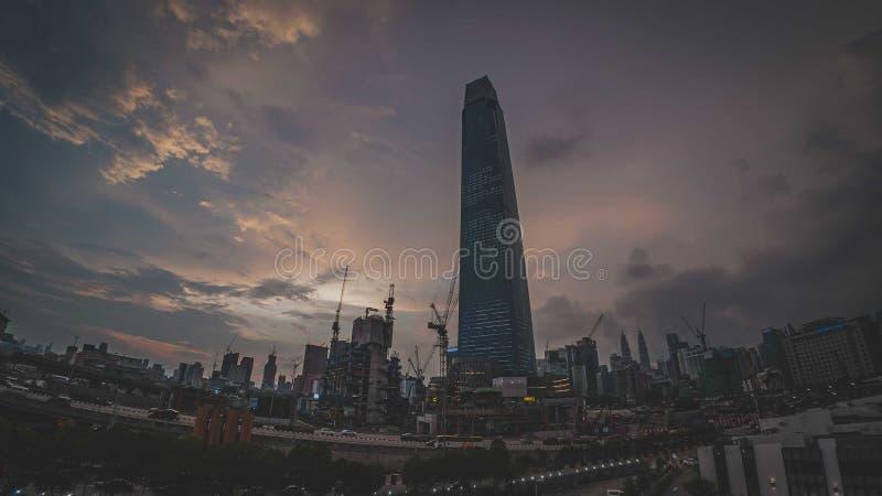 TRX Tun Razak Exchange o torre del intercambio 106 imagen de archivo libre de regalías