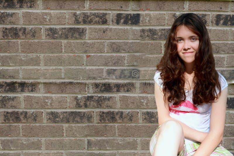 tryckt ned SAD teen för flicka royaltyfria bilder