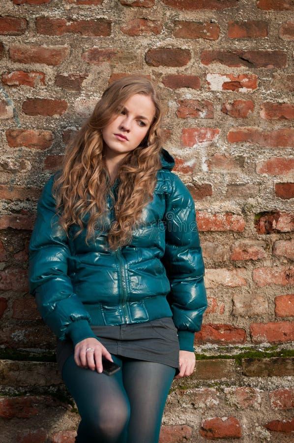 tryckt ned tonåring royaltyfri fotografi