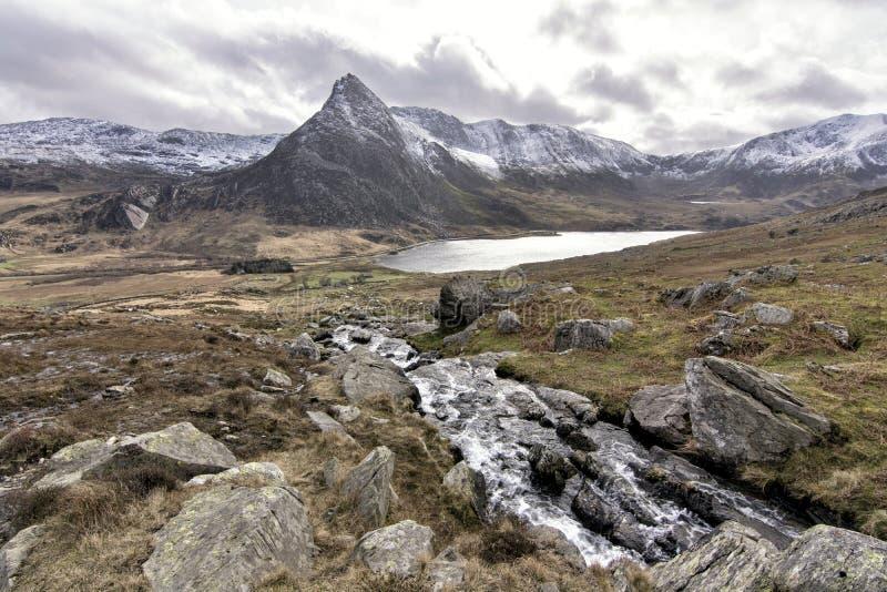 Tryfan Ogwen dal Snowdonia norr Wales royaltyfria foton