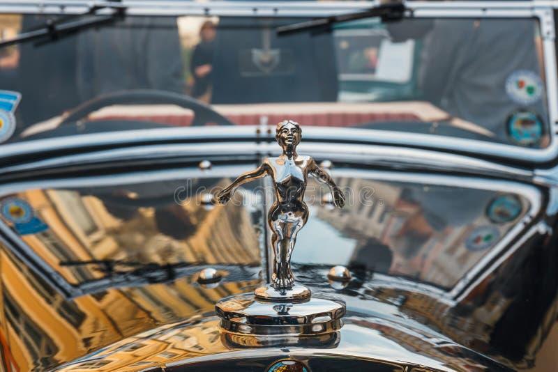Tryumfuje na wiecu roczników samochody w Krakow, Polska zdjęcia royalty free
