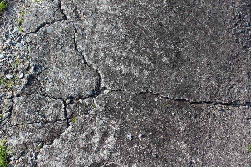 Trzęsienie ziemi uszkadzająca droga zdjęcia stock