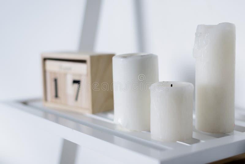 trzech białych świec zdjęcie royalty free