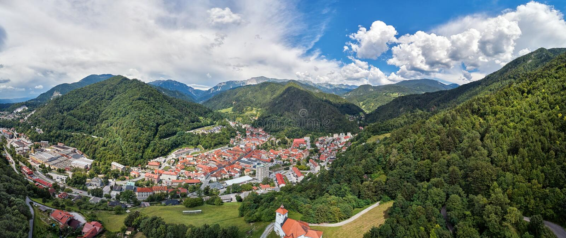 Trzic,斯洛文尼亚,欧洲全景视图  免版税库存照片