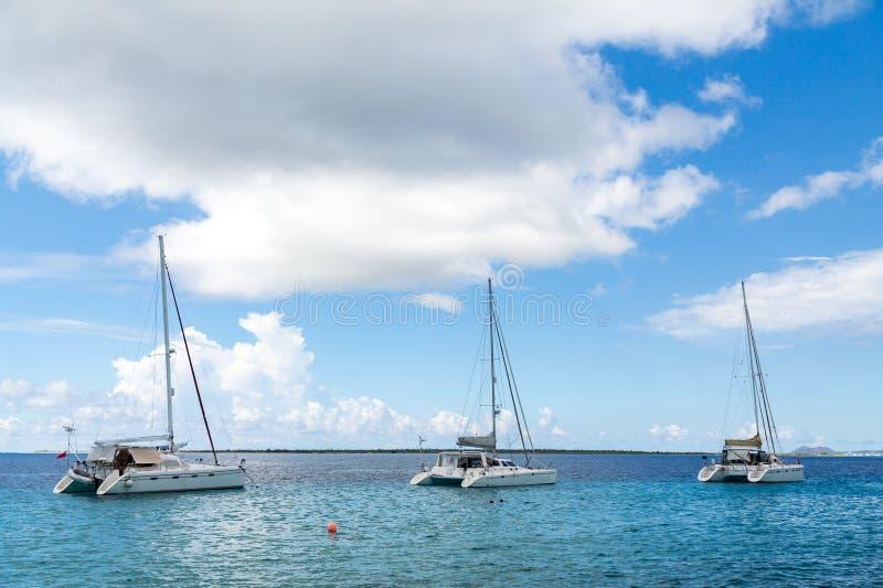 Trzy Białego Catamarans w Belize obrazy stock