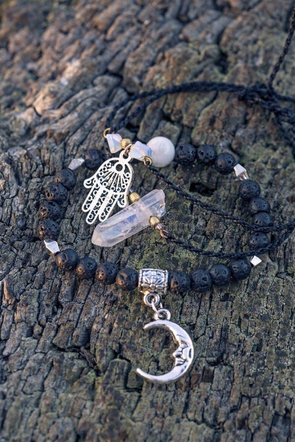 Trzy bransoletki z gemstone koralikami zdjęcia stock