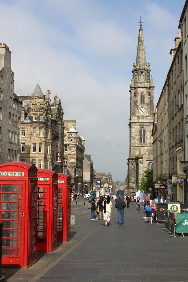 Trzy czerwieni telefonicznych pudełek Królewska Mila, Edynburg zdjęcie royalty free