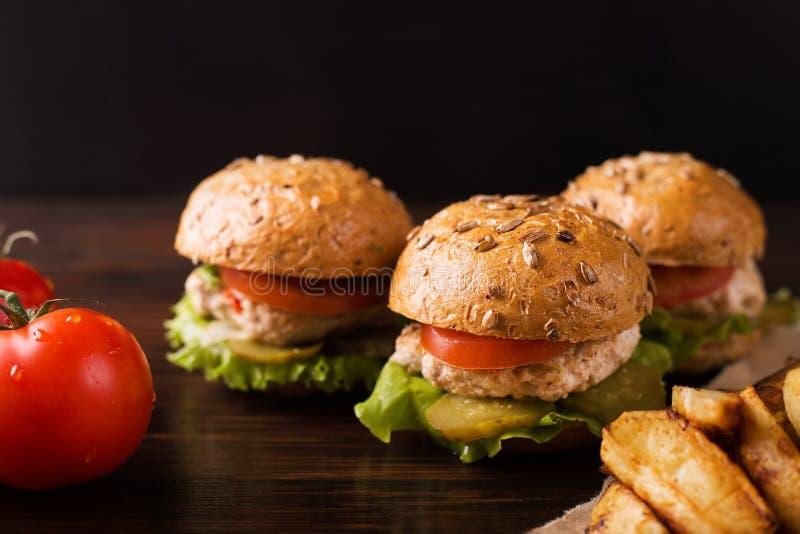 trzy hamburgery zdjęcie stock
