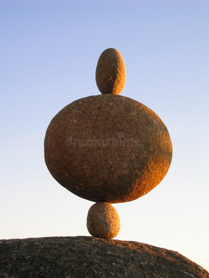 trzy kamienie zrównoważyć obraz stock