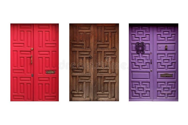 Trzy kolorowego meksykańskiego drzwi odizolowywającego na białym tle zdjęcie stock