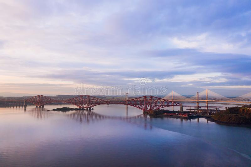 Trzy mostu, Naprzód kolejowy most, droga most i Queensferry skrzyżowanie nad Firth Naprzód, Naprzód, blisko Queensferry w Szkocja zdjęcia stock