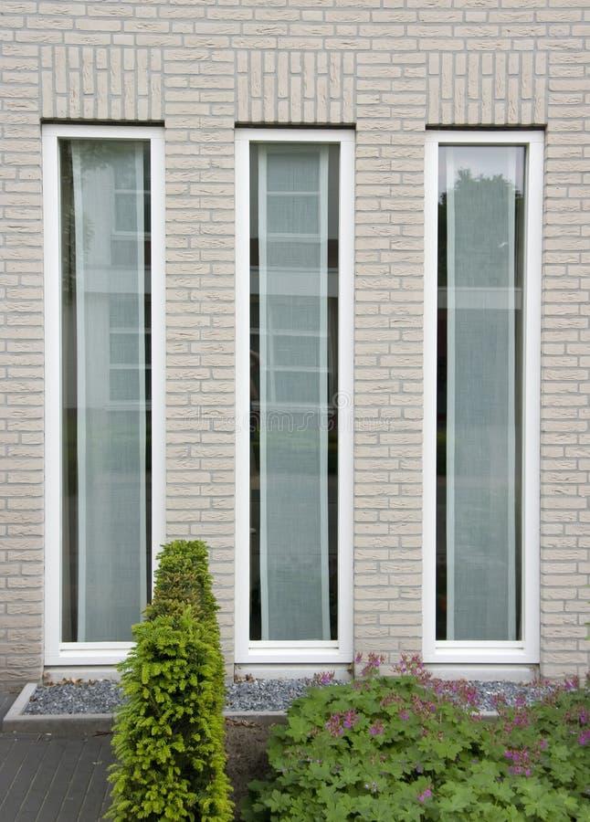 trzy okna fotografia stock