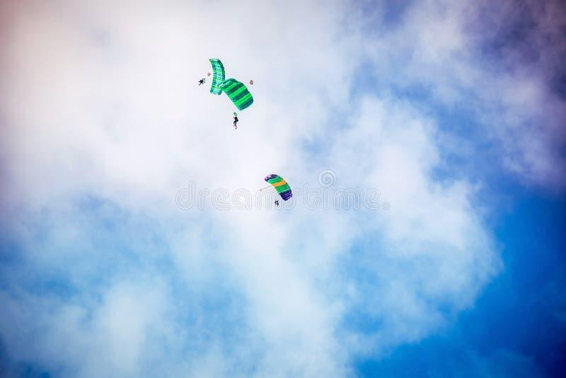 Trzy parachutist komarnica obrazy royalty free