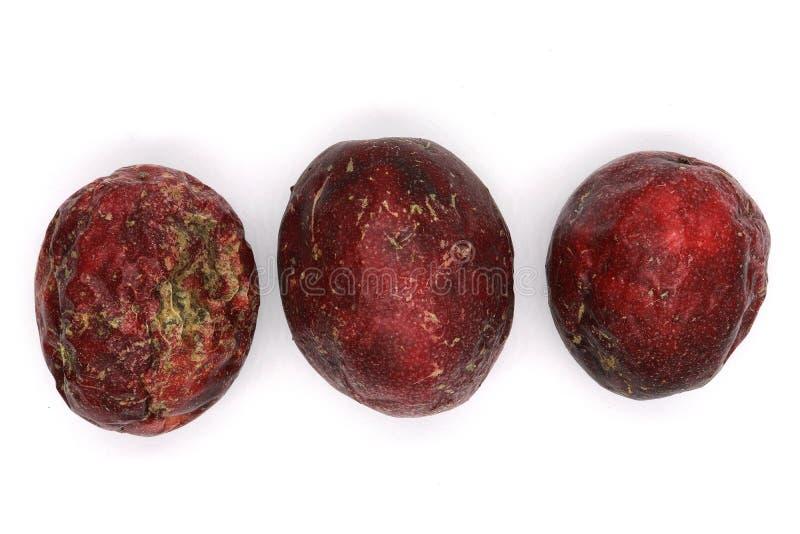 Trzy pasyjna owoc odizolowywająca na białym tle, odgórny widok zamknięty w górę zdjęcia stock