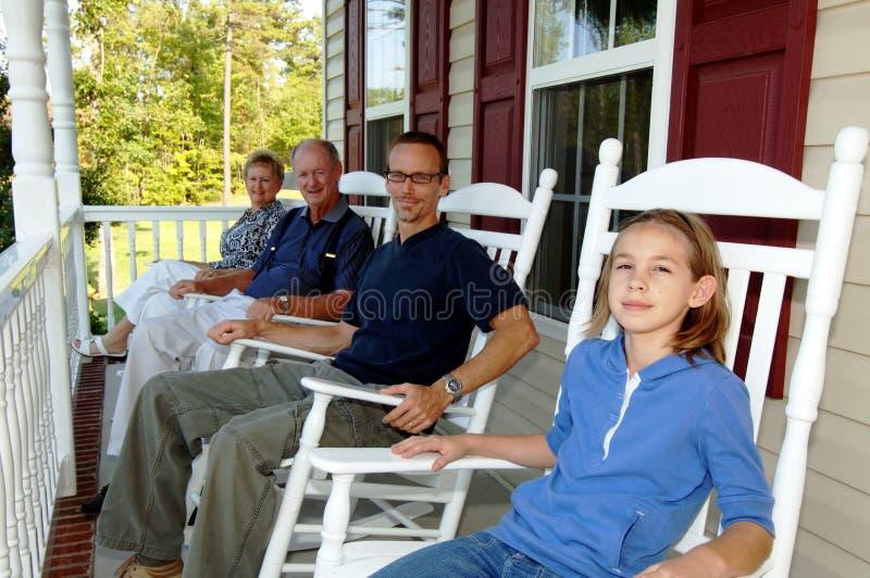trzy pokolenia werandę przednia zdjęcie stock