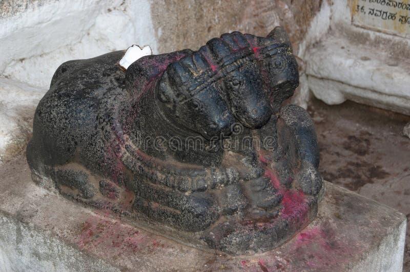 Trzy przewodzili Nandi byka, Hampi, Karnataka, India obrazy royalty free