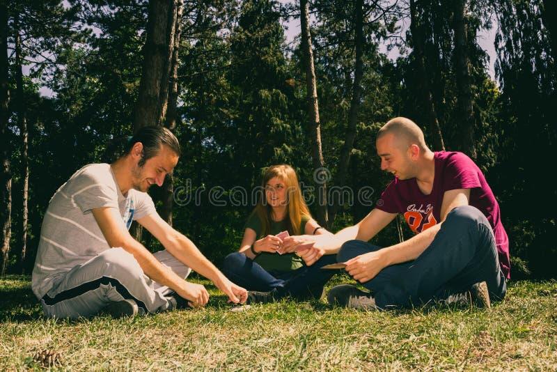 Download Trzy przyjaciel ma zabawę obraz stock. Obraz złożonej z park - 57665935