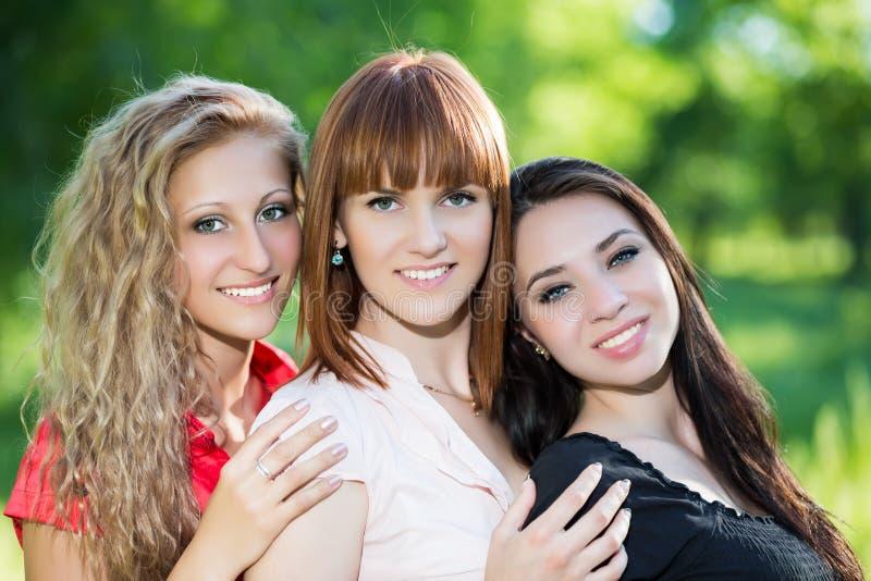 Trzy rozochoconej kobiety fotografia stock