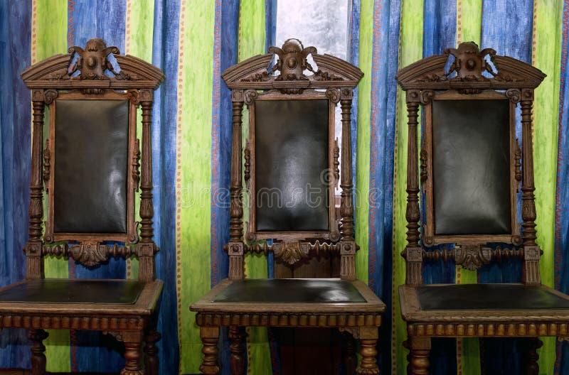 Trzy Starego krzesła fotografia stock