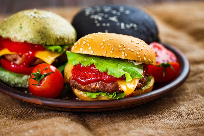 Trzy wyśmienicie hamburgeru obrazy stock