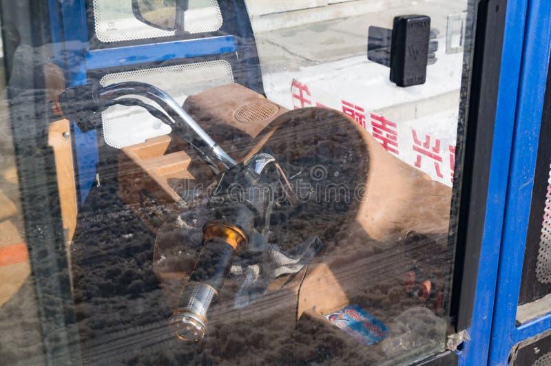 Trzykołowa motorowa hulajnoga z taksówką zdjęcia royalty free