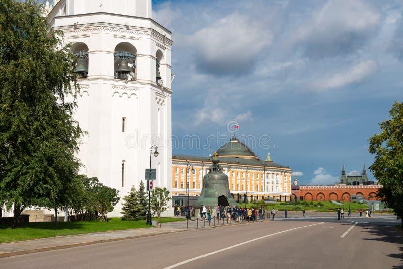 Tsar Bell, Ivan Wielki Dzwonkowy wierza, Ivanovskaya kwadrat zdjęcia stock