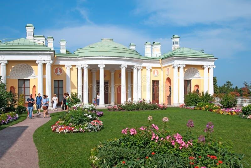 Tsarskoye Selo Pushkin Heilige-Petersburg Rusland Van het mensen inear Koude Bad en Agaat Zalen stock foto
