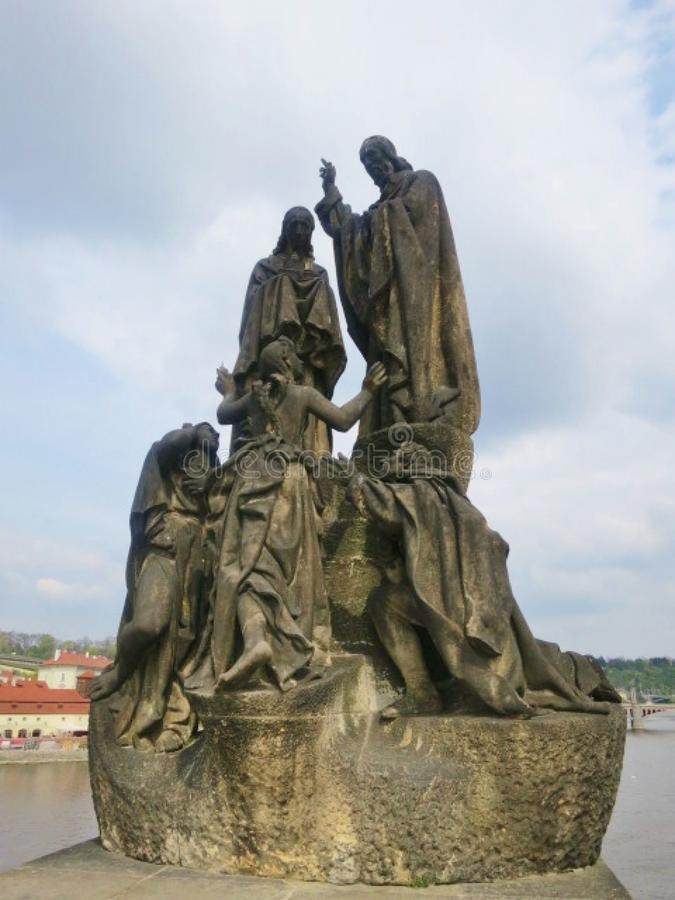 tschechisch Statue auf der Carol-Brücke lizenzfreies stockbild