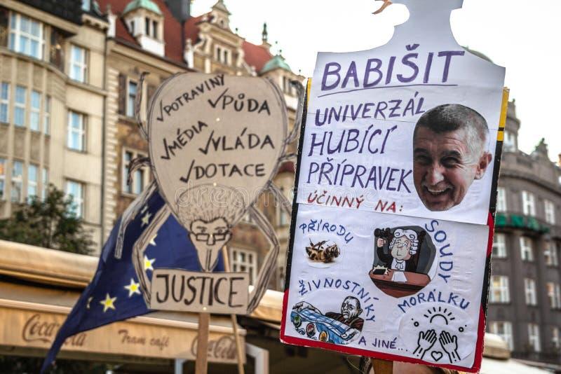 Tschechische Demonstrationsfahnen lizenzfreie stockfotos