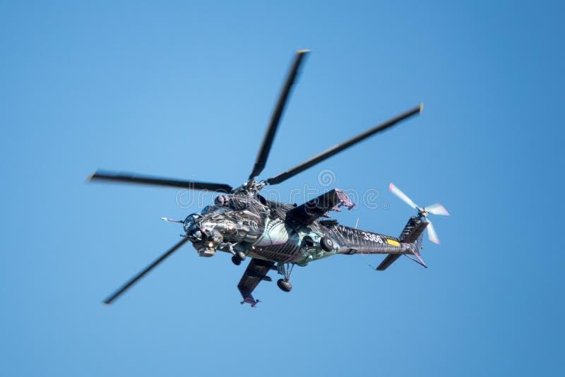 Tschechischer Hinterhubschrauberangriff Mil Mi-24 lizenzfreie stockfotos