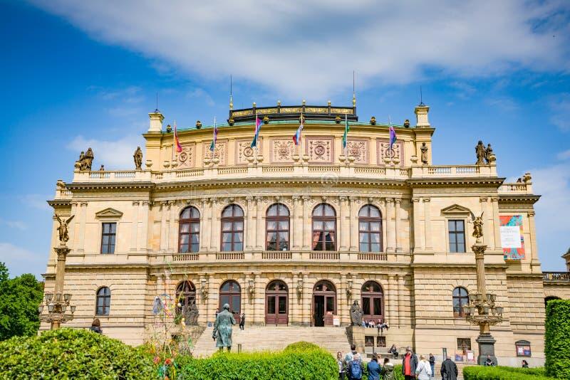 Tschechisches philharmonisches - Rudolfinum in der alten Stadt von Prag, Tschechische Republik stockfotos