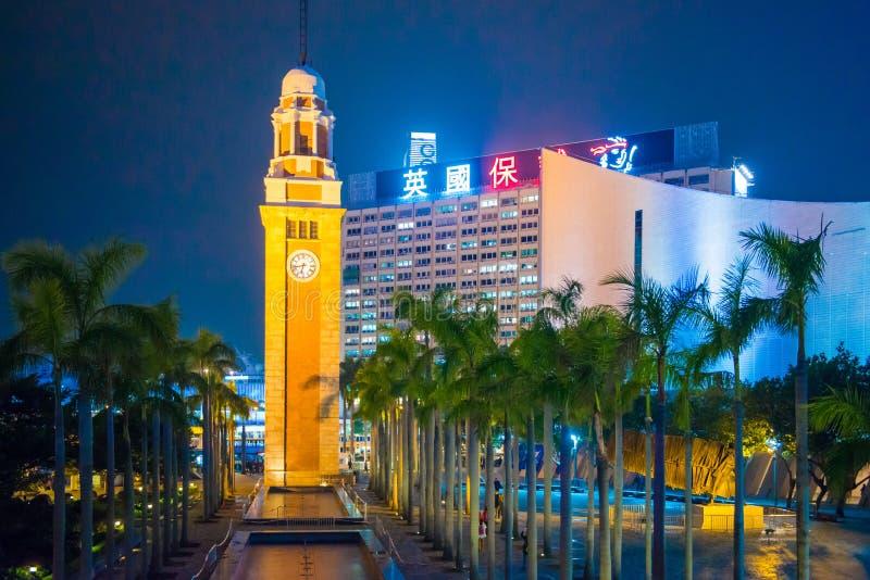 Tsim Sha Tsui, Hong Kong - enero, 10, 2018: La torre de reloj es imagenes de archivo