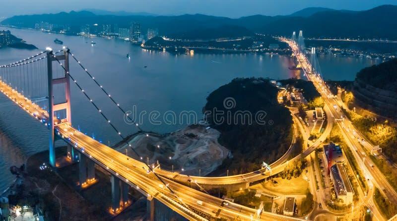 Tsing Ma Bridge au coucher du soleil en Hong Kong photos libres de droits