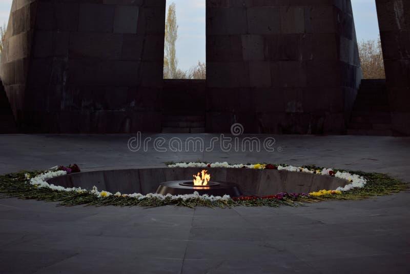 Tsitsernakaberd is een monument gewijd aan de slachtoffers van de Armeense volkerenmoord royalty-vrije stock afbeeldingen