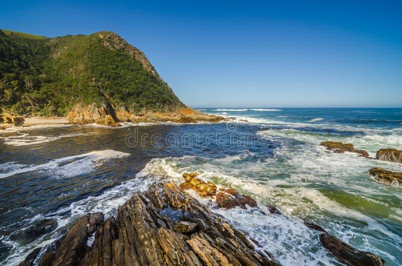 Tsitsikamma nationalpark, trädgårds- rutt, indiskt hav, Sydafrika arkivfoton